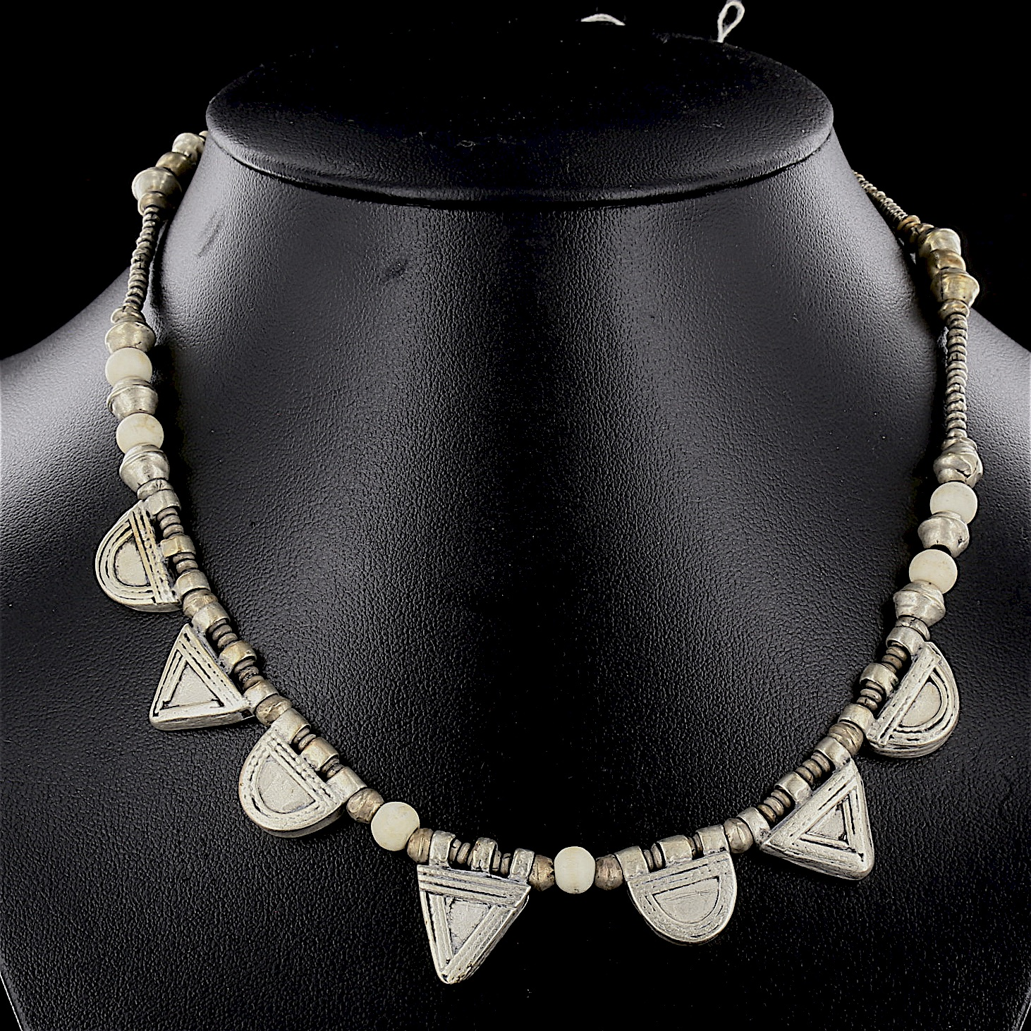 Ethiopian necklace with 7 Telsum charms 02 03 508