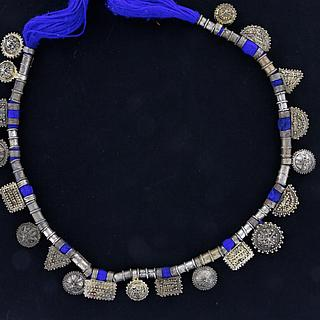 Exceptional necklace with 20 telsum charms 02.03.522