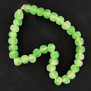Large Ghaneen green glass beads necklace 05.11.917