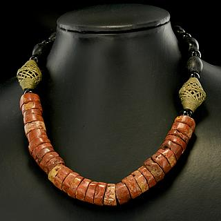 Necklace with Ghaneen brass and bauxite beads 05.04.926