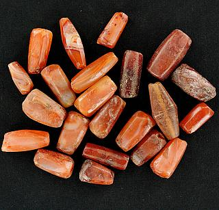 Set of 23 antique African carnelian beads 05.04.969