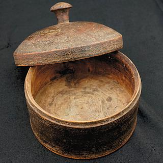 Antique brown spice box Afghanistan 09.02.1236