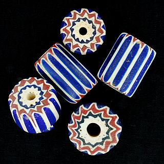Five large chevron beads 05.01.1507