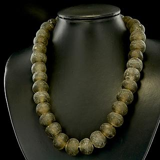 Necklace of large brown Ghaneen glass beads 05.11.924
