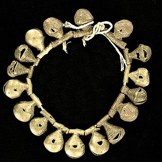 Anklet or bracelet with 17 antique brass bells 13.02.1424