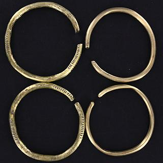 2 pairs os brass rings (bracelets) from Chad 01.02.808