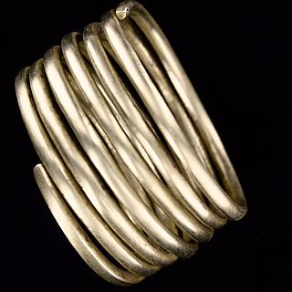 Large  and heavy coiled bronze bracelet 01.02.993