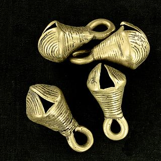 Set of 4 antiques brass bells 13.02.1425