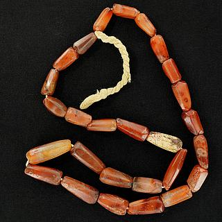 Necklace with 27 ancient carnelian beads 05.04.944