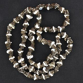 Black & white Bida beads necklace 05.10.1526