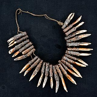 Bontoc headhunters necklace 04.06.1971