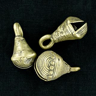 Set of 3 antiques brass bells 13.02.1423