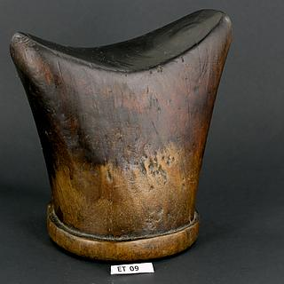 Gurage Sebabét block form headrest from Ethiopia 06.01.045