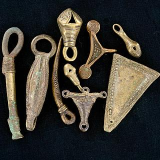 Nine antiques brass elements 13.02.1421
