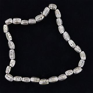 Ethiopian necklace with heavy oblong beads 02.03.531