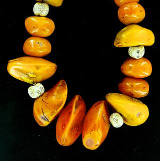 Exceptional old amber (copal) necklace 05.05.353