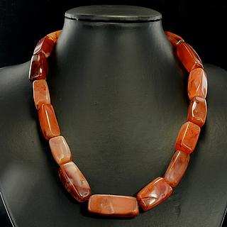 Necklace with 17 beautiful carnelian beads 05.04.943