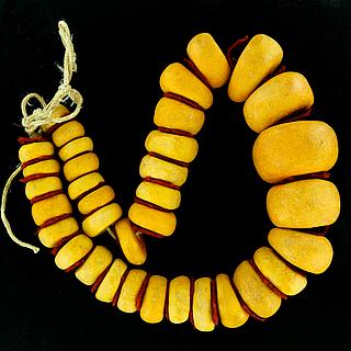 Large and heavy old copal necklace 05.05.352