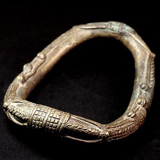 JEWELRY FROM SUB SAHARIAN & NORTH AFRICA 01