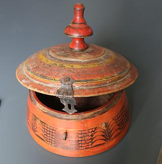 Large antique spice box, Punjab (Pakistan) 09.02.159