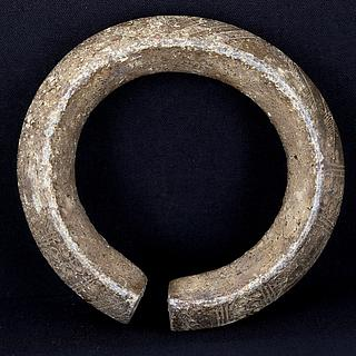 Heavy brass bracelet from West Africa 01.01.791