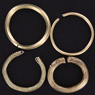 Lot of 4 brass bracelets from Chad 01.02.810